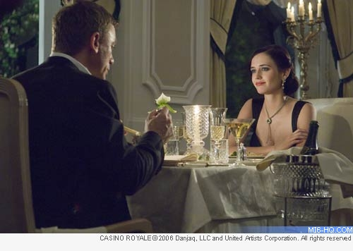 Bond names the vodka martini after Vesper Lynd