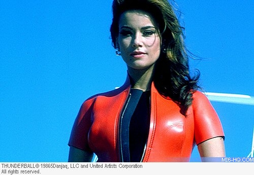 Claudine Auger as Dominique \