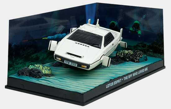 Bond in Motion Bond magazine features Underwater model Lotus Espirt from The Spy Who Loved Me