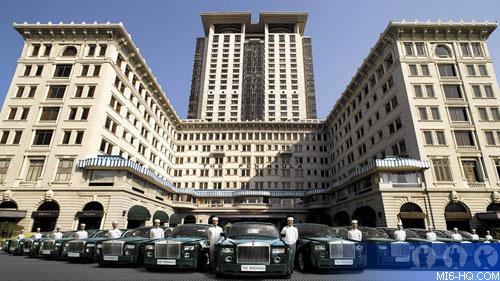 Rolls-Royce Phantoms in front of the Peninsula Hong Kong